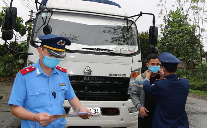 Tăng cường kiểm tra hoạt động vận tải trên các tuyến quốc lộ, tỉnh lộ