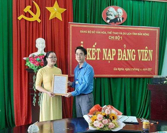 Chi bộ 1, Đảng bộ Sở Văn hóa, Thể thao và Du lịch tổ chức Lễ kết nạp đảng viên
