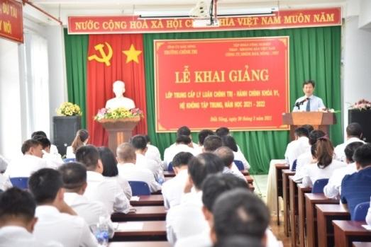 Khai giảng Lớp Trung cấp LLCT-HC khóa 91,  hệ không tập trung, năm học 2021-2022 tại Công ty Nhôm Đắk Nông